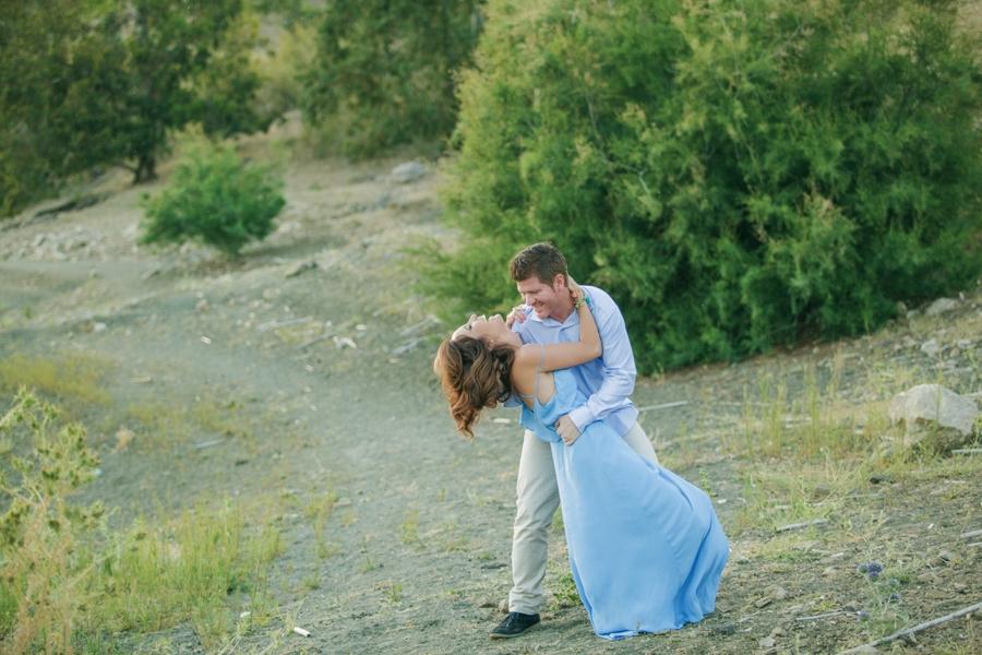 fotografías de novios en el campo en el Pantano de la Viñuela en Málaga